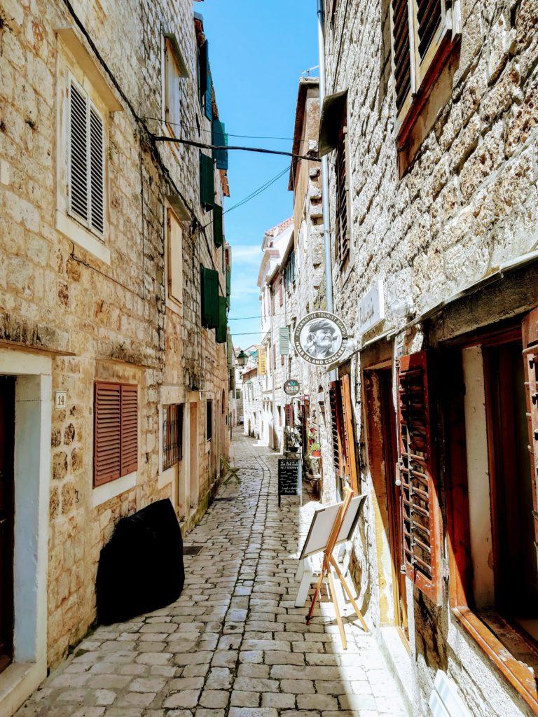 cobbled-stone, small alley, alleyway, history, atmosphere, Stari Grad, Croatia, Hvar, Balkan