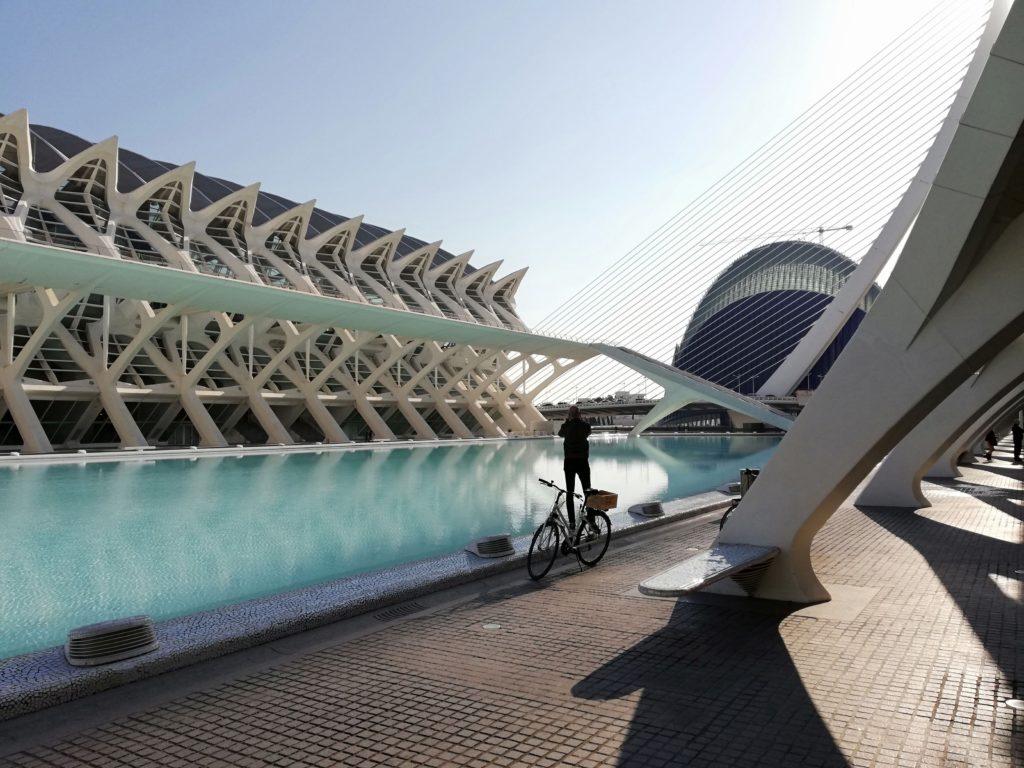 Calatrava, CAC, Ciudad de las artes y las ciencias, Valencia, Spain, Iberia, biking, El Museo de las Ciencias Principe Felipe, Science museum valencia