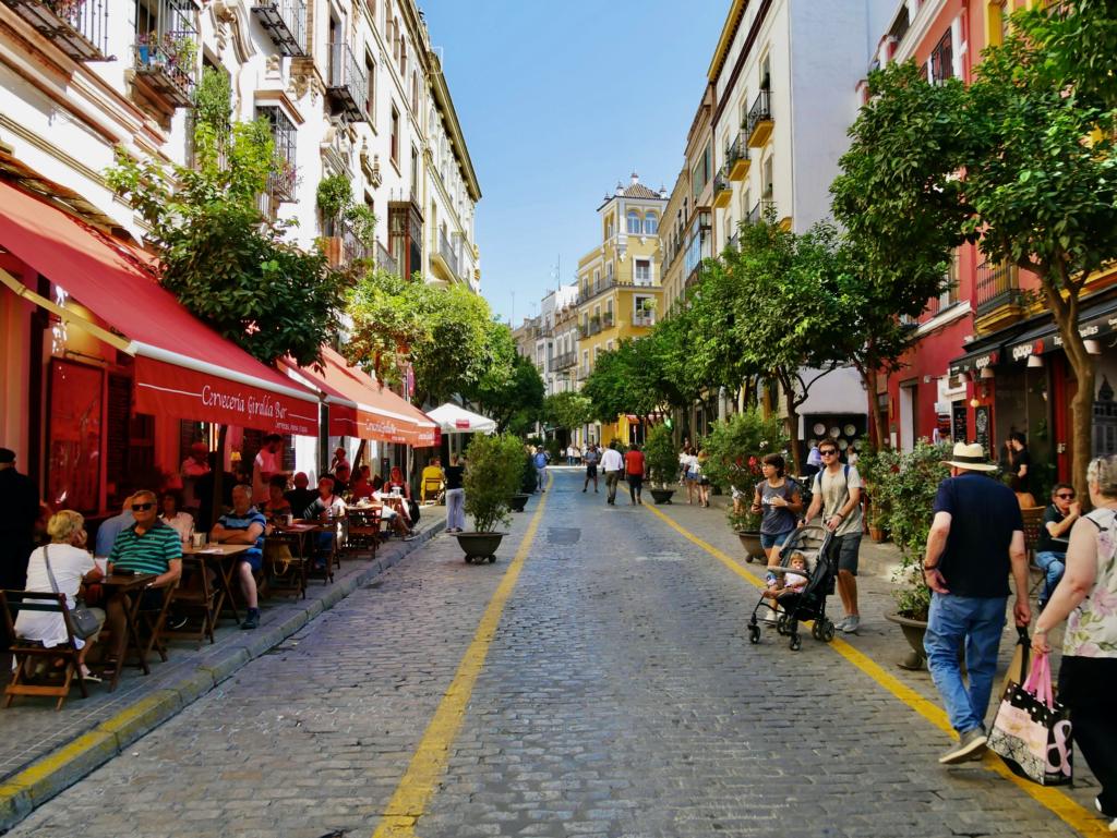 Giralde, Seville cathedral, central Seville, Old Seville, cobbled street